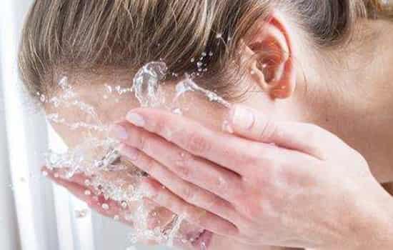 白醋能和洗面奶一起用吗 先用醋再用保湿洗面奶