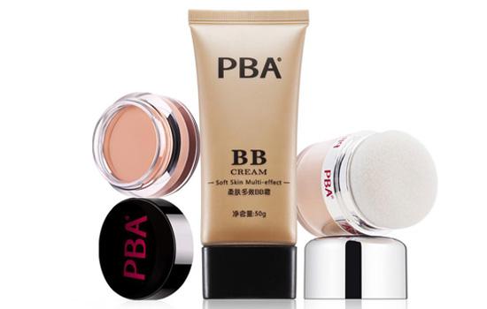 bb霜和遮瑕膏哪个先用 BB霜+遮瑕膏详细底妆步骤