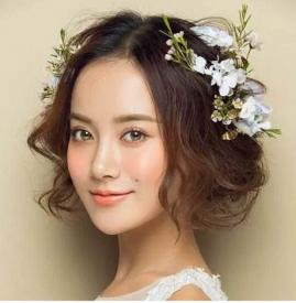 好看的短发新娘造型 非常干练甜美哟