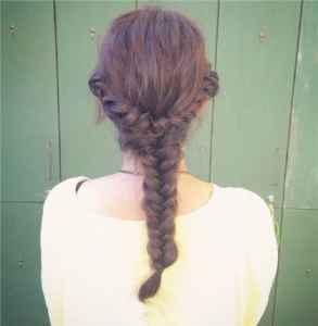 头发怎么编简单好看 几款简易编发教程