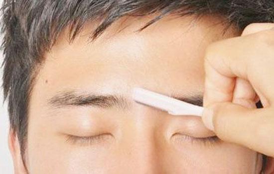 男士自己修眉毛的步骤 男士修眉到什么店修