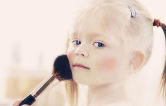 小孩化妆后过敏怎么办 儿童节目表演妆容应简化