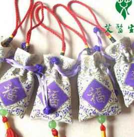 端午节香包里装的什么 香包惯用芳香开窍的中草药
