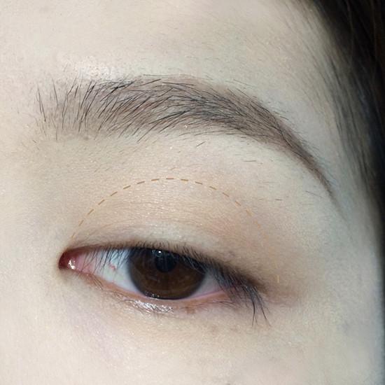 蓝色眼影怎么画好看 这样画日常还好看