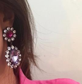 耳饰怎么搭配 宝石耳环和夏天就是最配CP