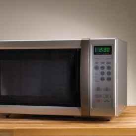 瓷碗能在微波炉加热吗 微波炉使用注意事项