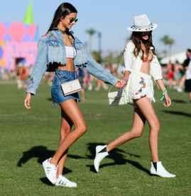 蓝色牛仔裤搭配什么样的鞋  才最美最靓最舒适