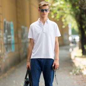 男生穿什么短袖好看 夏天你要有这几件