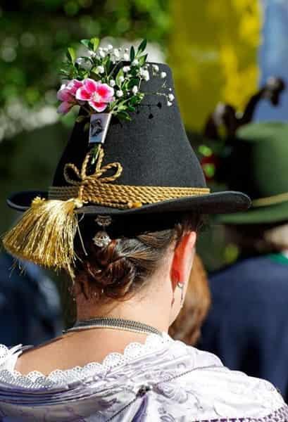 渔夫帽适合什么季节 渔夫帽点缀四季的时尚单品
