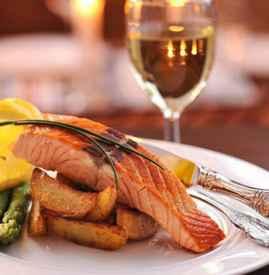 三文鱼刺身配什么酒 刺身料理配白葡萄酒的好处