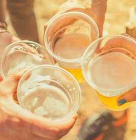 中暑能喝啤酒吗 喝冰啤酒反而会加重暑症
