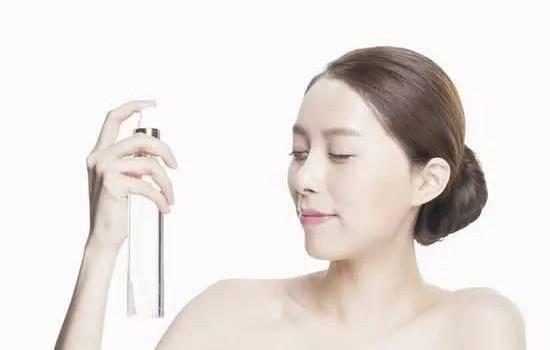 化妆水和卸妆水有什么区别 区别可大着呢