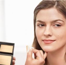 蜜粉和修颜笔哪个先用 化妆小白一定要懂的基础功课