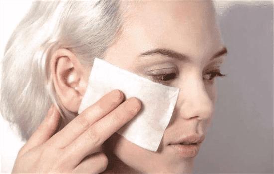 湿敷和面膜哪个先用 根据你用的面膜来决定哟