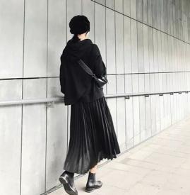 百褶裙怎样搭配最美