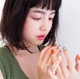手绘水果美甲怎么做