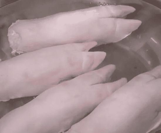 卤猪蹄的家常做法 咸猪手怎么治!