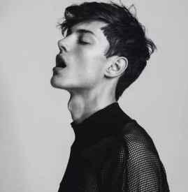 今年最流行的男生发型 适合秋冬的欧美男模发型图集