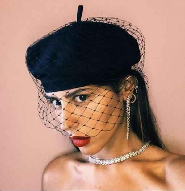 风靡时尚圈的贝雷帽如何搭配 小仙女们收好这份穿搭指南