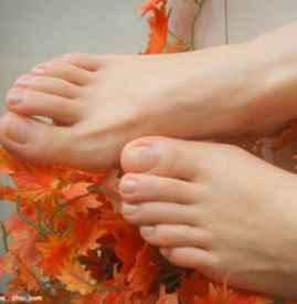 用脚膜脱皮正常吗 用脚膜之前你需要知道这些