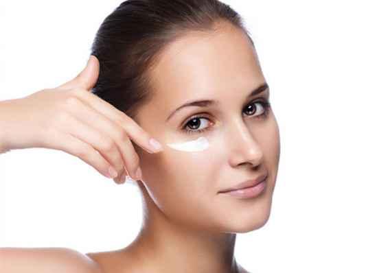 眼霜的作用 眼霜让你眼睛看不见岁月痕迹