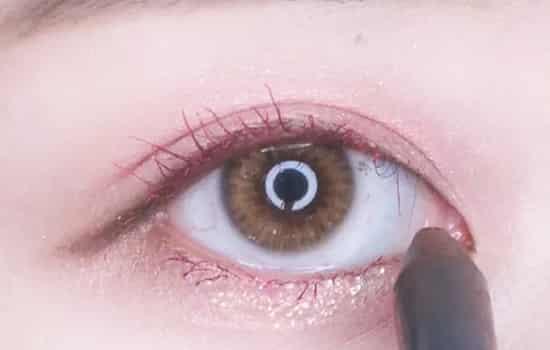 笑眼妆怎么画显眼睛大图片