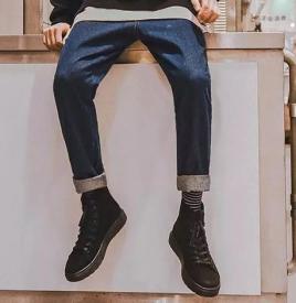 男生如何挑牛仔褲 應該根據腿型來選擇適合自己的牛仔褲