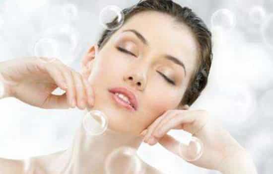 化妆水晚上睡觉能用吗 使用化妆水还有什么注意事项吗
