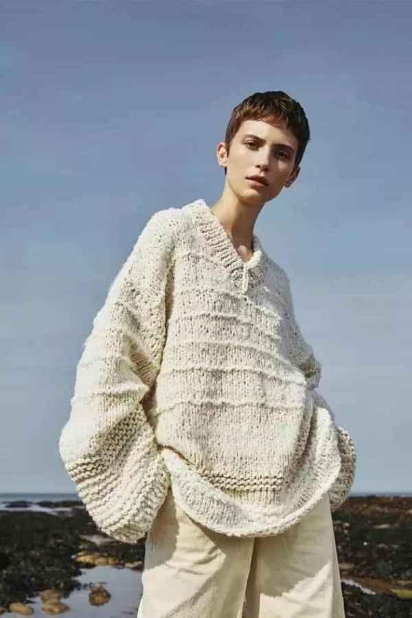 女生v领毛衣怎么搭配 V领毛衣修身显瘦显脸小的神级单品