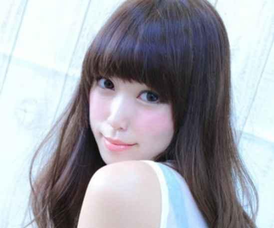 什么刘海发型长脸的女性气质的精致小脸