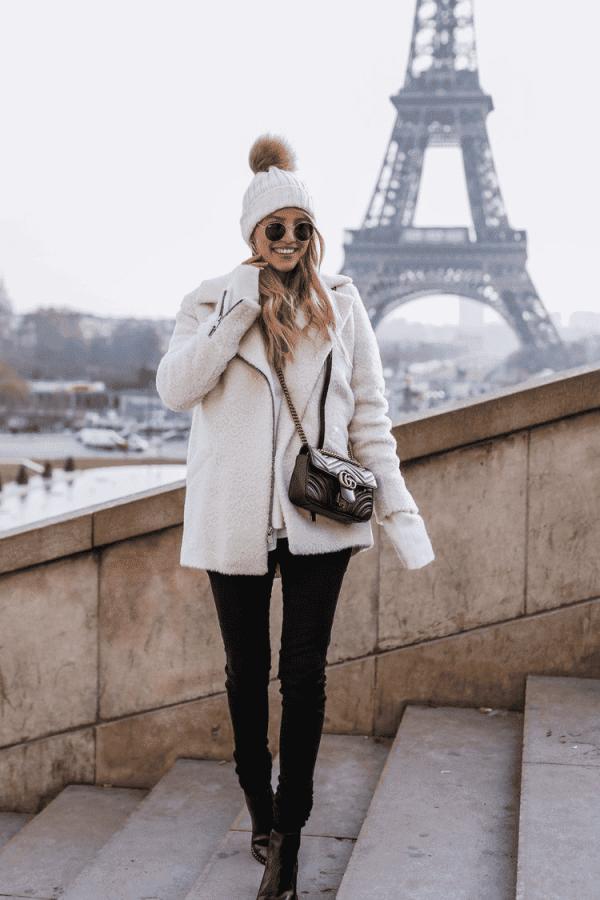 白色呢子大衣配什么裤子 打造优雅气质大长腿
