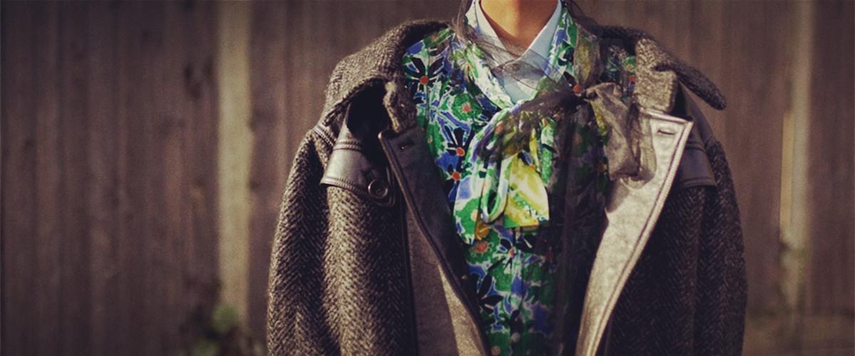 今年冬天再也不用担心大毛衣加棉衣再套羽绒衣被喷老土了,因为叠穿才是当下的流行趋势,穿得越多越时髦。下面我们就一起来看看冬季穿衣服搭配技巧吧。