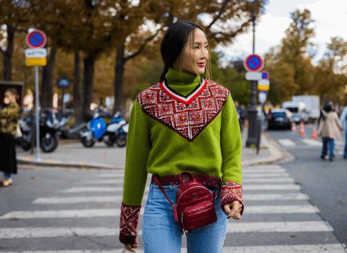 教你花纹毛衣穿出 自由自在的街头风