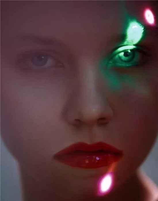 圣诞眉教你圣诞节怎么化妆 闪耀唇一样各来一套