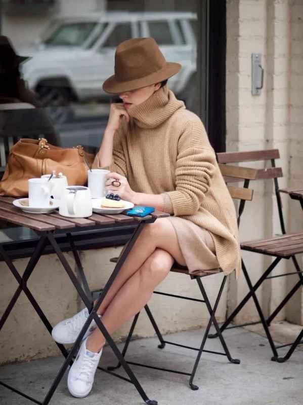 2019年,奶茶色的衣服 减龄又气质