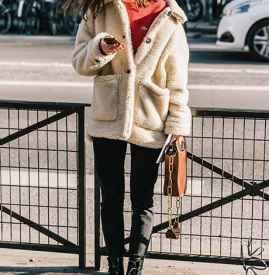 白色羊羔绒外套怎么搭配 秋冬保暖时髦必买