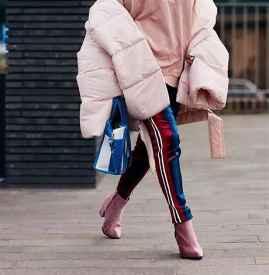 中长款羽绒服搭配什么鞋子 气场与美丽冬季也不甘落后