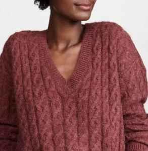 v领毛衣怎么搭配 迎接暖春的柔美感受