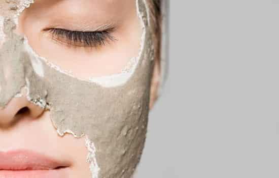 泥膜外层还能贴面膜吗 面膜不可以胡乱使用