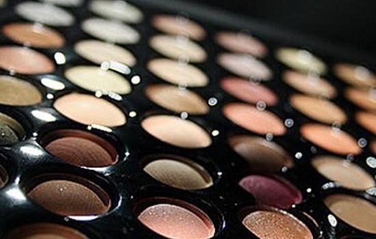 化妆品的哑光和珠光效果 表面平滑无光泽无光污染
