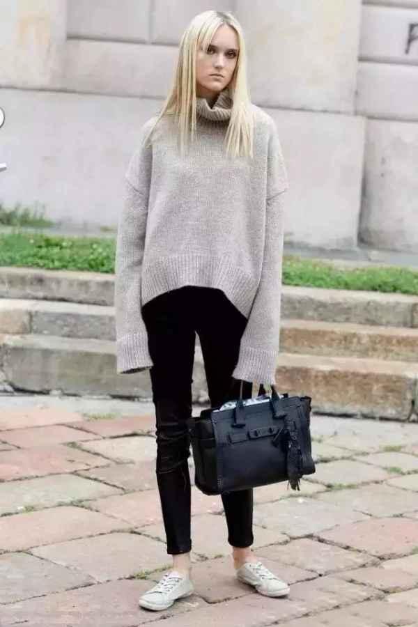 黑色牛仔裤配什么鞋子 和凉拖穿舒适自在