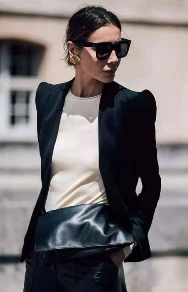 黑西装搭配 解锁黑色西装外套搭配方案