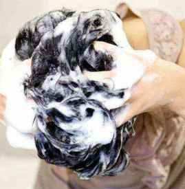 淘米水洗头发的正确方法