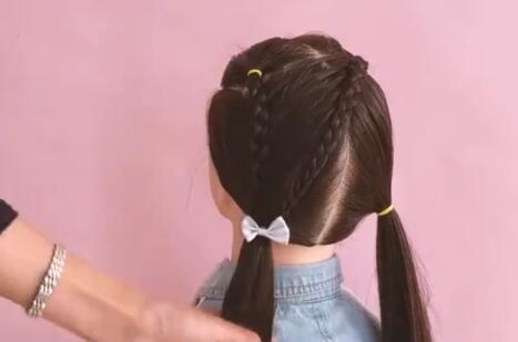 小女孩学生头短发扎法