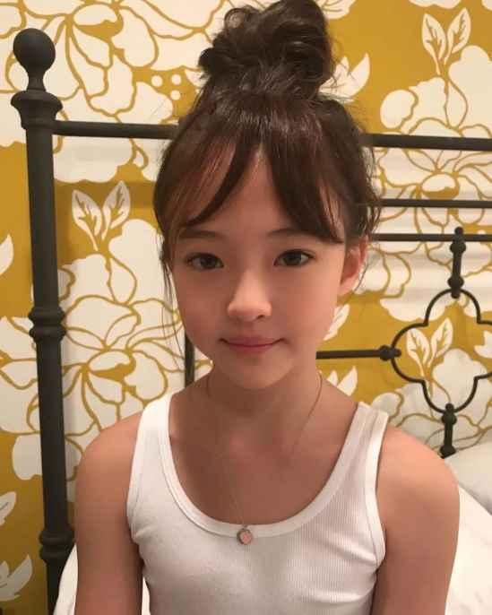 小女生钢琴演奏发型