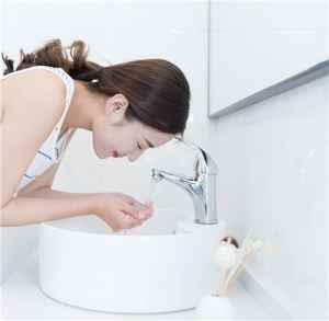 小苏打牙膏可以洗脸吗