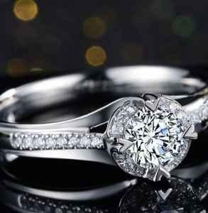 钻石颜色和净度哪个重要