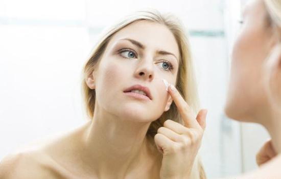 定妆粉和气垫的区别?定妆粉和气垫的使用步骤
