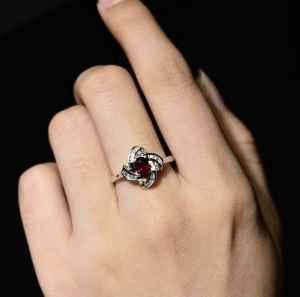 不同材质的戒指有什么不同寓意