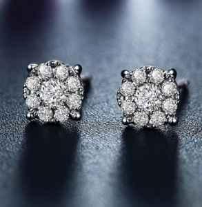 钻石耳钉价格